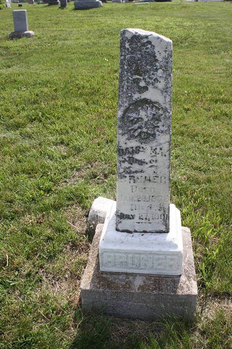 Daisy May Bruner Grave Photo