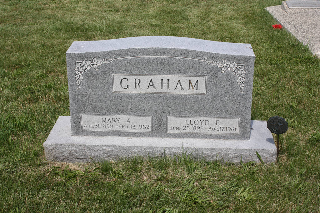 Lloyd E. Graham Grave Photo