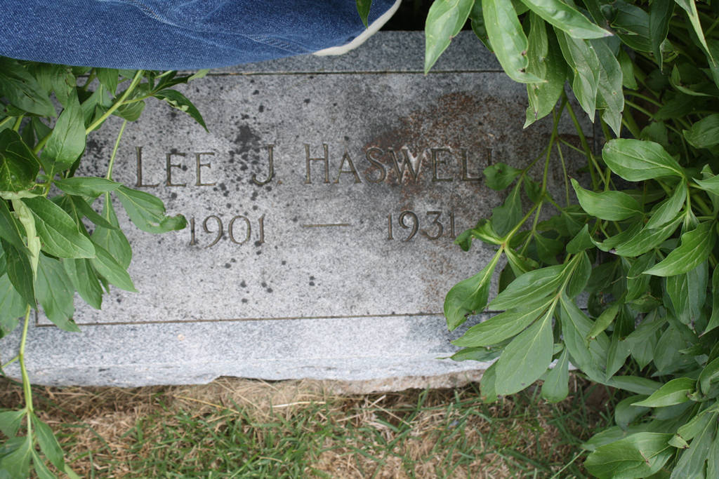 Lee J. Haswell Grave Photo