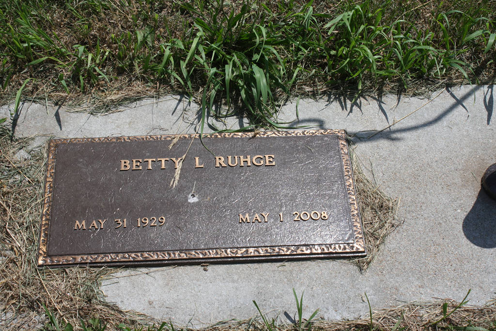 Betty Ruhge Grave Photo