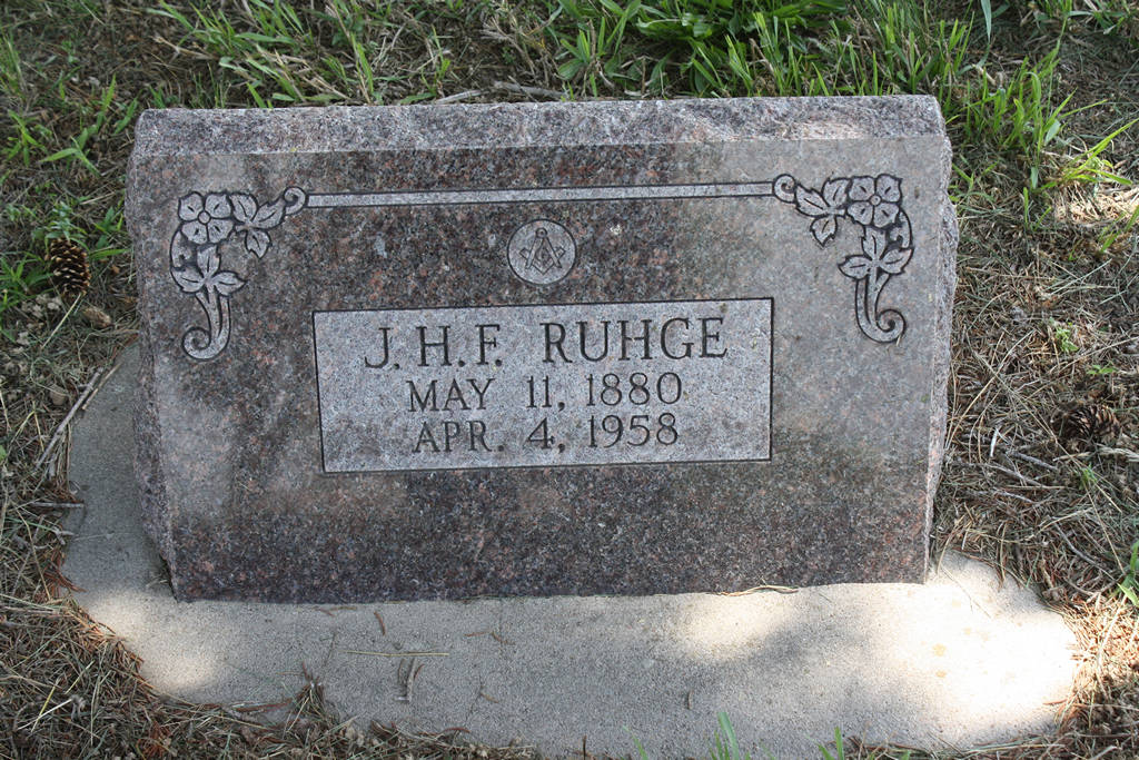 J. H. F. Ruhge Grave Photo