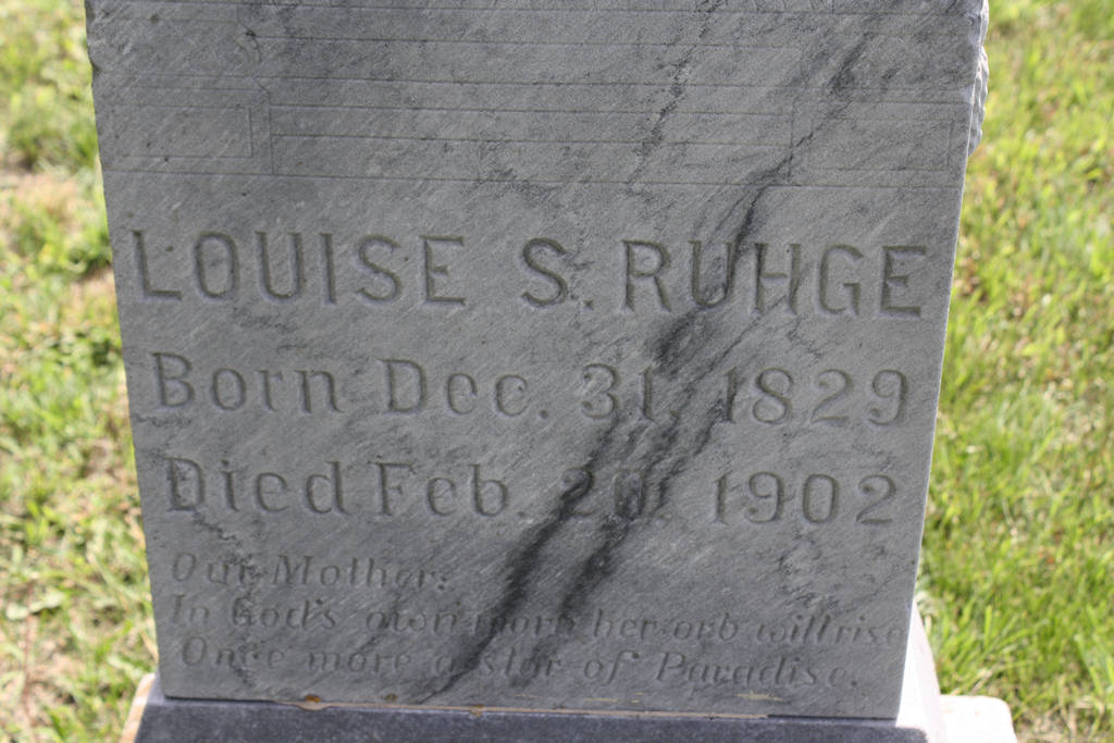 Louise S. Ruhge Grave Photo