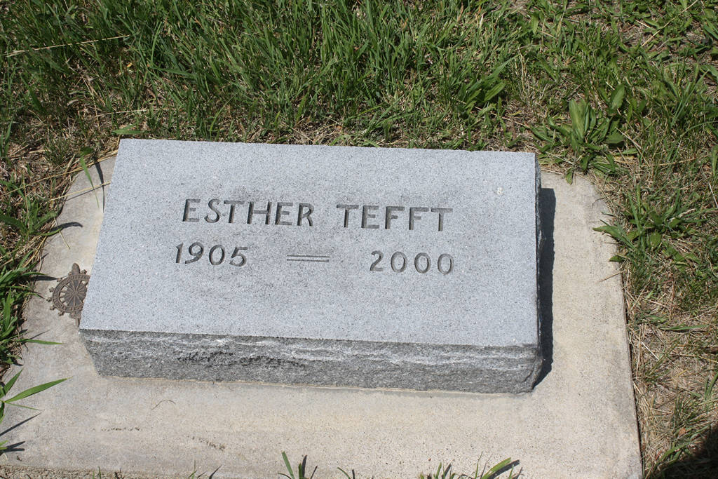 Esther Tefft Grave Photo
